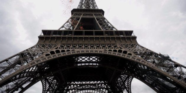 Francia, rating tagliato da Standard & Poor's da AA+ ad