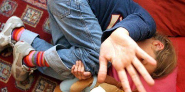 Pedofilia: obbligo di casellario giudiziario non per