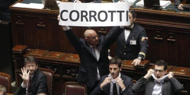Alessandra Moretti deposita querela contro Massimo De Rosa per ingiuria. Ieri la denuncia per