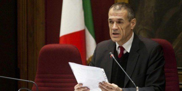 Carlo Cottarelli preme per una spending review federalista, risparmi degli enti territoriali per ridurre...