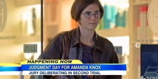 Amanda Knox, l'attesa sui siti americani. Nuovo look per la 26enne di Seattle, caschetto castano