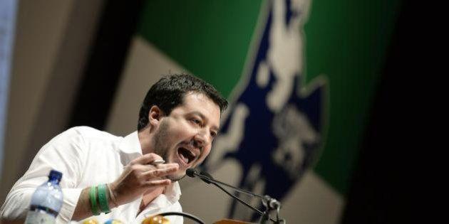 Legge elettorale, la Lega abbandona l'aula per protesta. Salvini:
