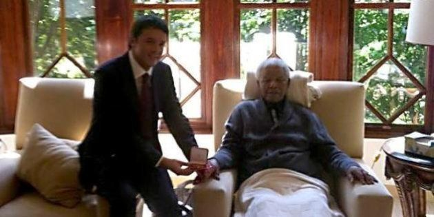 Nelson Mandela, polemiche per la foto pubblicata da Matteo Renzi con