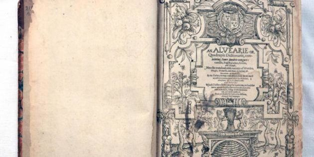 William Shakespeare, vocabolario usato dallo scrittore comprato in asta su eBay. Ci sono iniziali e