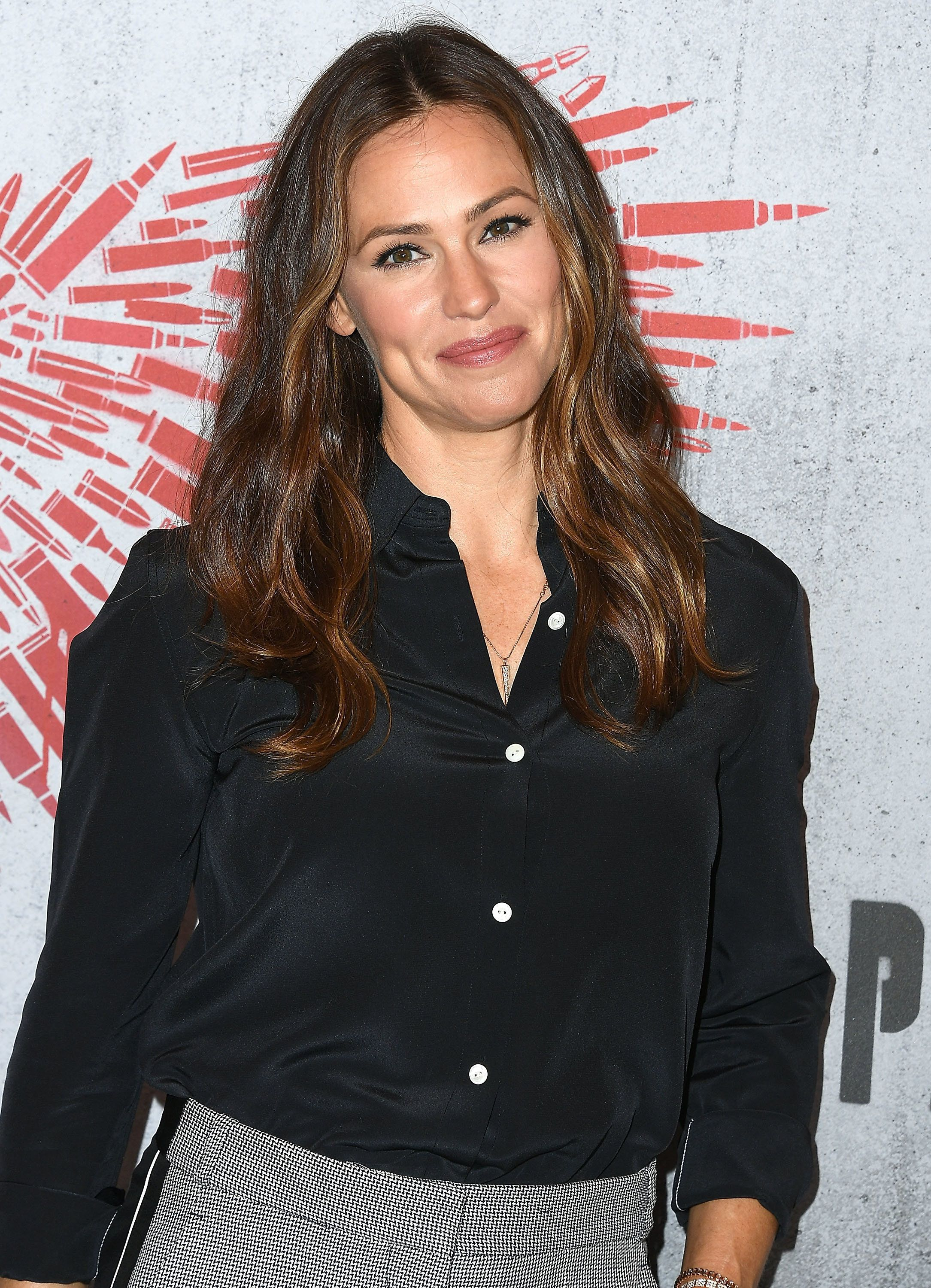 LOS ANGELES, CA - AUGUST 17:  Jennifer Garner poses at the Photo Call For STX Films' 'Peppermint' at Four Seasons Hotel Los Angeles at Beverly Hills on August 17, 2018 in Los Angeles, California.  (Photo by Steve Granitz/WireImage)