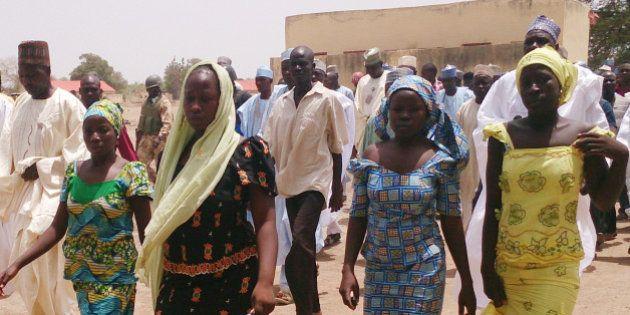 Nigeria, studentesse rapite dai jihadisti: all'appello ne mancano 234. La ricerca disperata dei genitori...