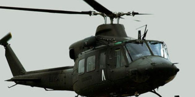 Elicotteri all'amianto, 550 poliziotti dal medico. Inversione a U del Viminale di Alfano: il rischio...