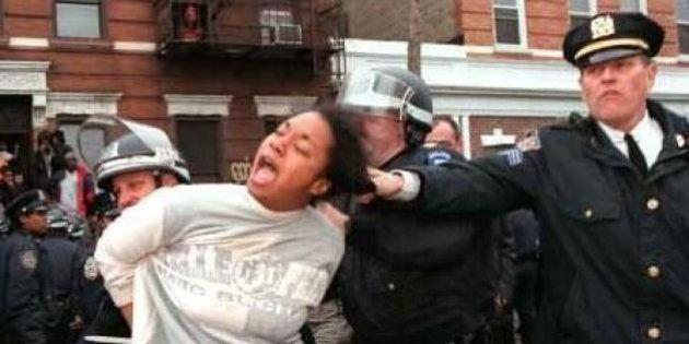 #mynypd: l'hashtag della polizia di New York diventa un boomerang: su Twitter la violenza degli agenti