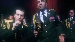 La polizia russa canta