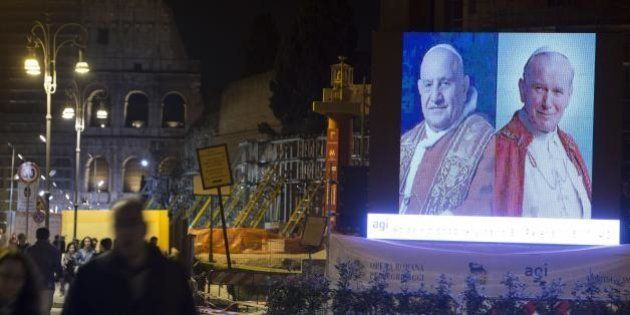 Santificazione Giovanni Paolo II e Giovanni XXIII: i parlamentari sgomitano per