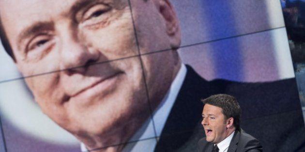 Silvio Berlusconi chiama Matteo Renzi a mezzanotte per congratularsi della vittoria (FOTO,