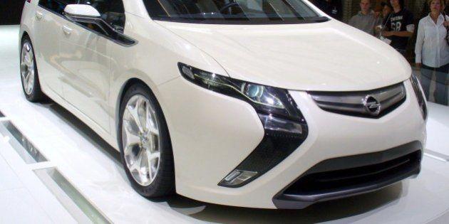 Opel riduce prezzo Ampera per renderla più accessibile. Taglio di oltre 5mila euro