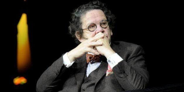 Beppe Grillo contro Philippe Daverio: dopo Laura Boldrini e Corrado Augias, pioggia di insulti per il...