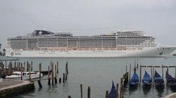 Venezia riapre alle grandi navi. Ed è subito