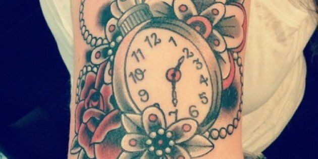 Tatuaggi. Gli orologi da taschino spopolano e gli orologi Swatch si ispirano ai tattoo