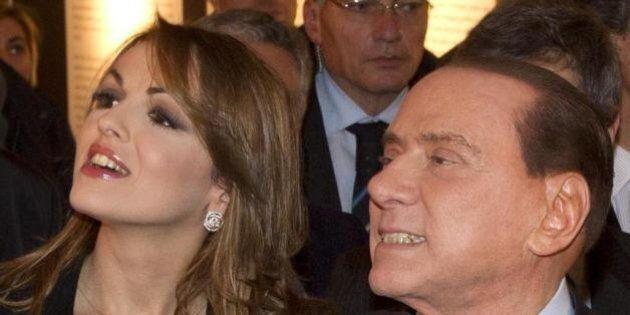Francesca Pascale a cena con Silvio Berlusconi, Giovanni Toti e le fedelissime azzurre nel centro di...