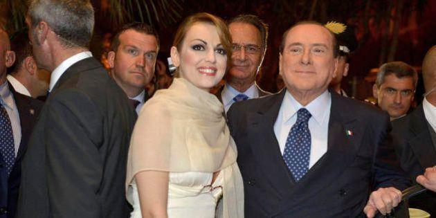 Silvio Berlusconi, 5 giorni di relax con Francesca Pascale e Giovanni Toti sul lago di Garda
