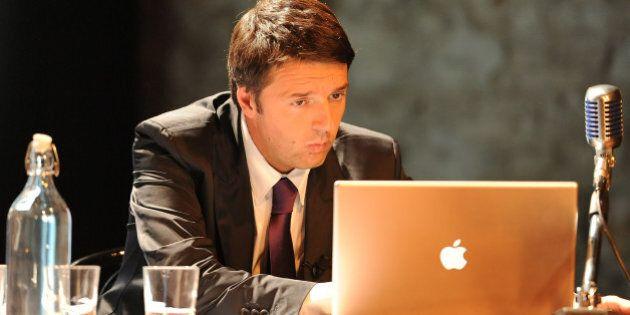 Matteo Renzi risponde su Twitter a colpi di titoli di film: