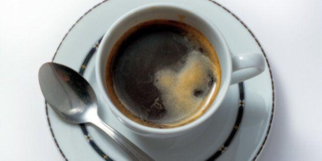 Dieci cose da sapere sulla caffeina: dagli effetti che ha sul corpo al paese che ne consuma di più