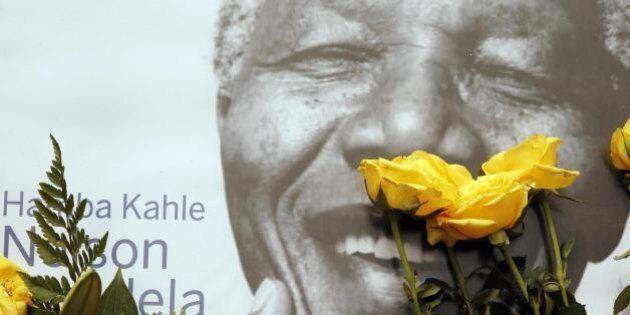 Funerali Nelson Mandela, Barack Obama, Raul Castro, Naomi Campbell: capi di Stato e star per ricordarlo