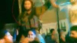 Soldati israeliani ballano Gagnam style con i palestinesi. L'esercito li sospende