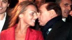 Pascale e Berlusconi un anno insieme. Ma la Polanco svela il matrimonio e parla di Bunga bunga
