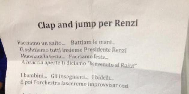 Matteo Renzi in una scuola a Siracusa, i bambini cantano