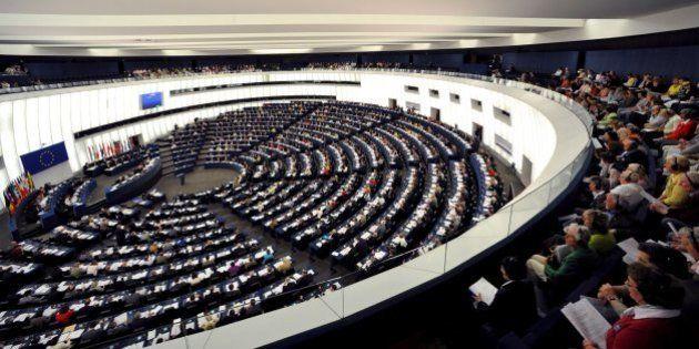 Elezioni europee 2014. Vince il Ppe, Juncker chiede la guida della Commissione. Trionfo di Le Pen e Farage