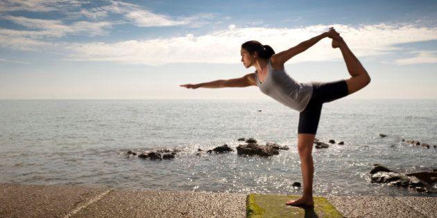 Yoga, benefici sul cervello: più si pratica, più crescono i neuroni. Dentro la materia grigia di yogi...