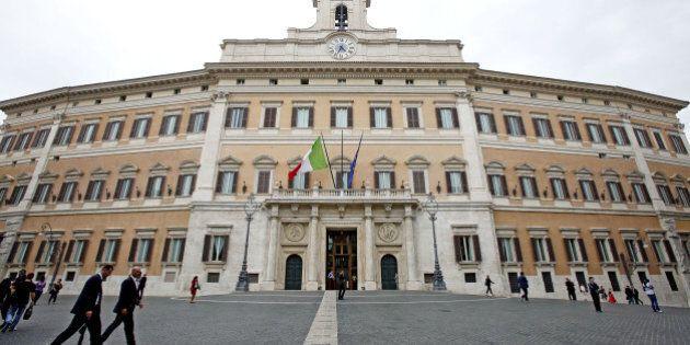 Italicum, slitta l'esame della legge elettorale alla Camera. Voto atteso per lunedì. No dal