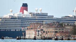Grandi navi a Venezia: il governo vieta il transito in