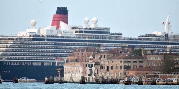Grandi navi a Venezia: il governo vieta il transito in laguna