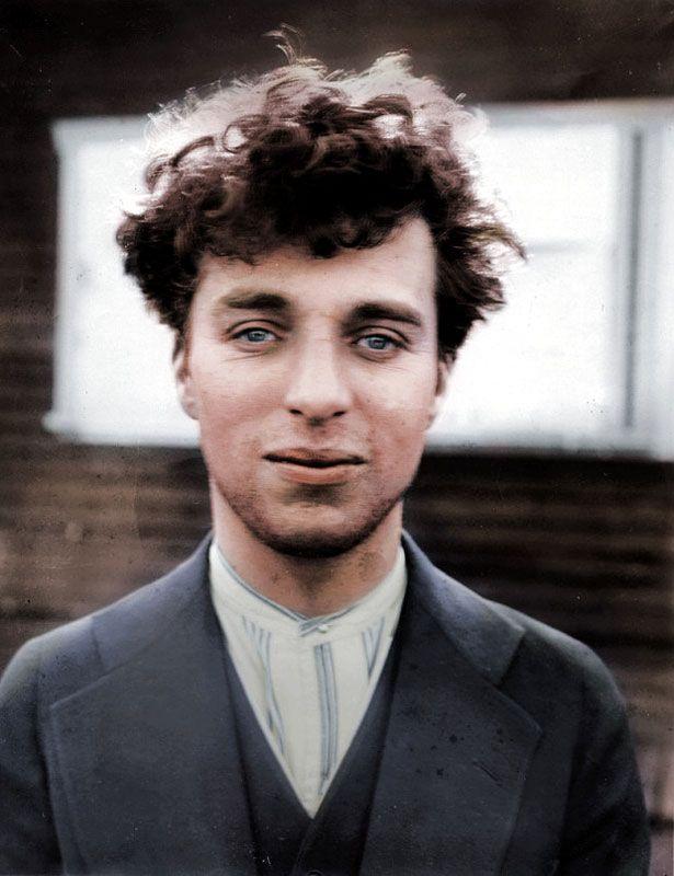 15 foto storiche colorate con Photoshop. Da Albert Einstein a Audrey Hepburn, i lavori di