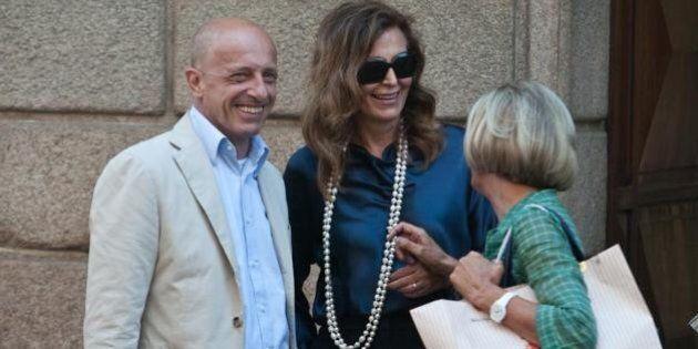 Daniela Santanchè e Alessandro Sallusti a spasso a Milano, shopping in via Montenapoleone