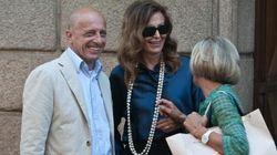 La Santanchè e il compagno Sallusti sorridenti a Milano