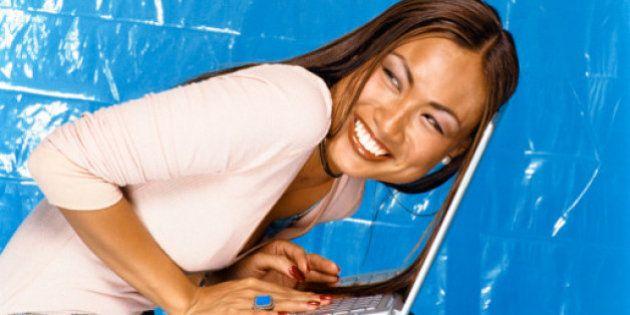 8 marzo, donne alla conquista del web: più numerose su Twitter, capaci di reinventarsi grazie a internet