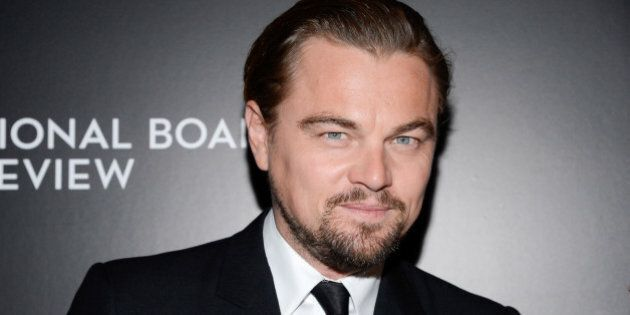 Leonardo DiCaprio riceverà l'Oscar: la Russia gli consegna la statuetta, ma è di ferro e pesa 1 kg e...