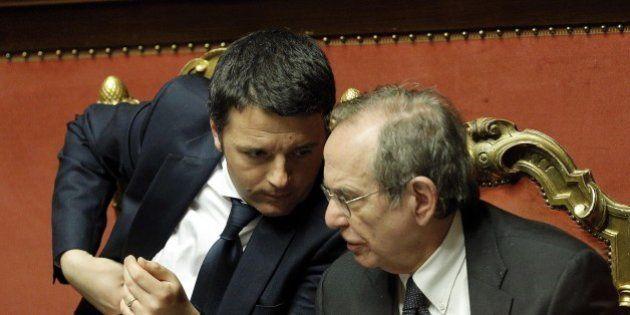 Taglio del cuneo fiscale, Matteo Renzi punta sull'Irpef ma il viceministro Morando insiste: