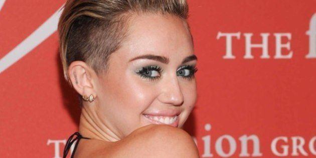 Miley Cyrus e Madonna insieme sul palco. Lady Ciccone ospite dello show Mtv dedicato all'ex Hannah Montana