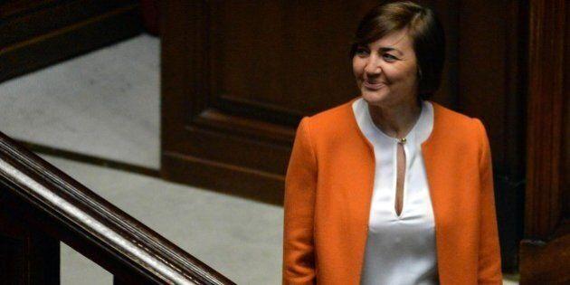 Legge elettorale e quote rosa: Renata Polverini e le deputate vestite di bianco per difendere la parità...
