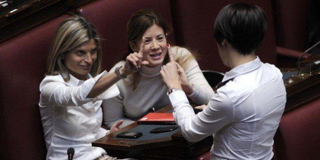 Quote rosa: novanta sfumature di bianco. La Moretti ce l'ha con le ministre Polverini in trincea, Calabria...