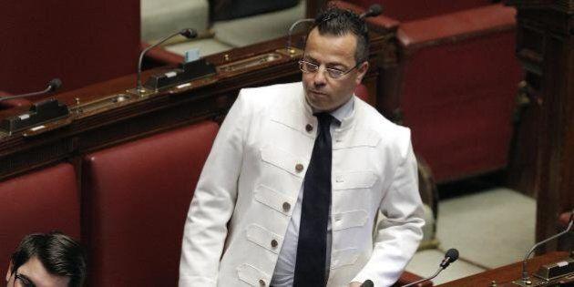 Legge elettorale e quote rosa: Gianluca Buonanno e altri uomini vestiti di bianco appoggiano la battaglia...