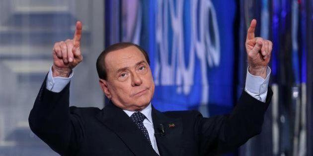 La svolta lepenista a metà di Silvio Berlusconi: da Salvini manda Toti, ma sosterrà i referendum della