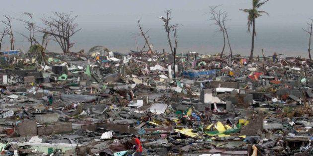 Tifone Filippine, Hayan devastante: 10mila morti. Ecco come aiutare (FOTO,