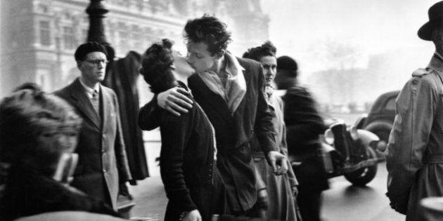 Il Bacio di Robert Doisneau in mostra al Palazzo delle Esposizioni di Roma: Parigi nelle immagini del...