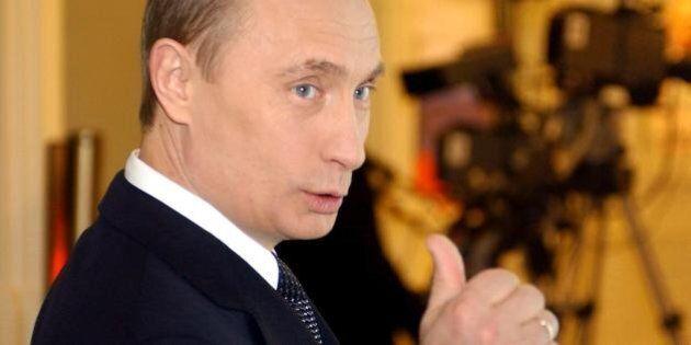 Russia, internet nel mirino di Vladimir Putin. Gmail, Facebook e Skype rischiano il