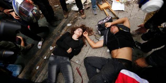 Turchia, scontri in piazza Taksim: feriti e arresti a un anno da Gezi Park (FOTO,