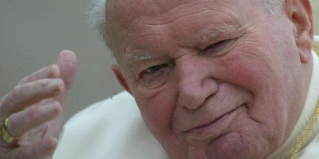 Vaticano, il New York Times contro la santificazione di papa Wojtyla: