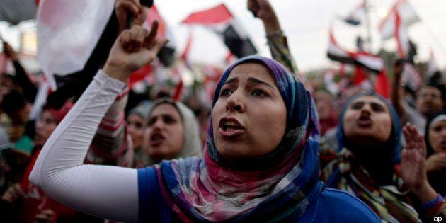 Stupri a piazza Tahrir, quasi 100 donne violentate durante proteste anti Morsi. La denuncia di HRW
