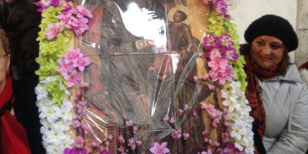 Juta dei femminielli: in pellegrinaggio da Mamma Schiavona in ricordo della liberazione di due omosessuali